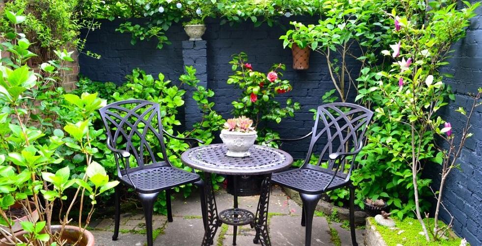 Metall Gartentisch für zwei